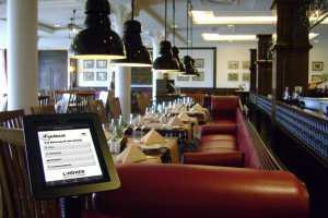iPad_Terminal_Lindner_Hotel-300x200